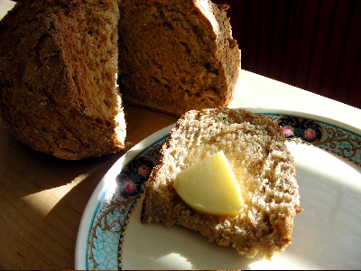 soda-bread-slice-close.jpg