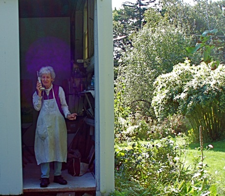 painter lois dodd in studio doorway